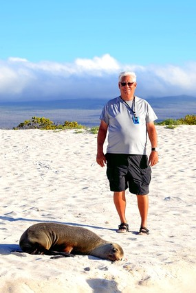 Jim Varva and sea lion San Cristobal Island.jpg