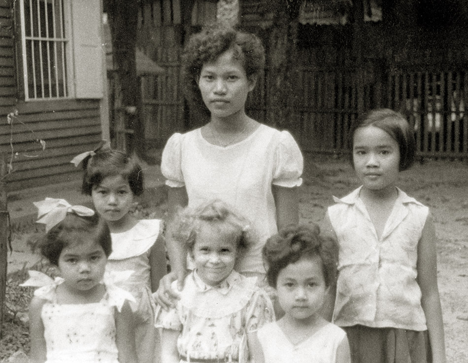 Young Evelyn and friends, Nong Khai, Thailand