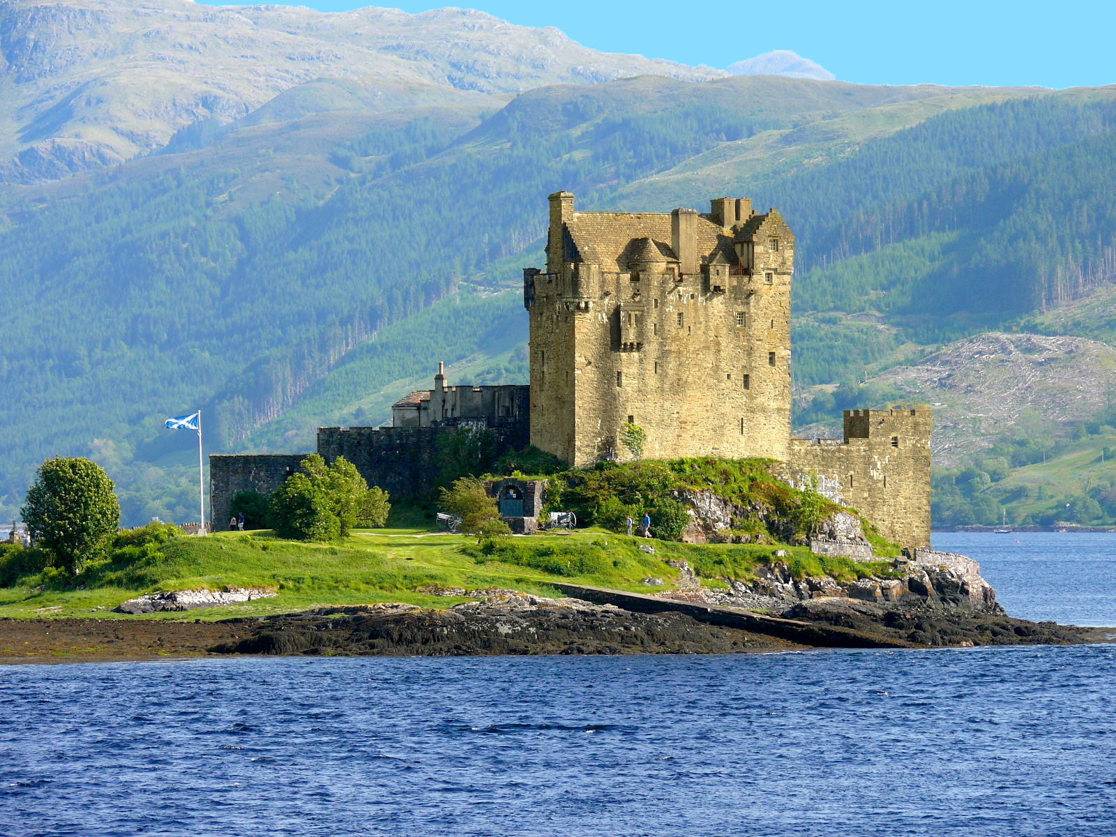 Gohagan_2018_CelticLands_01_Scotland_EileanDonanCastle_(C)(WT-shared) Albion at wts wikivoyage_WC_CC.jpg