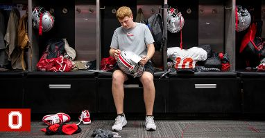 Football Equipment Manager Makes Plays | Ohio State